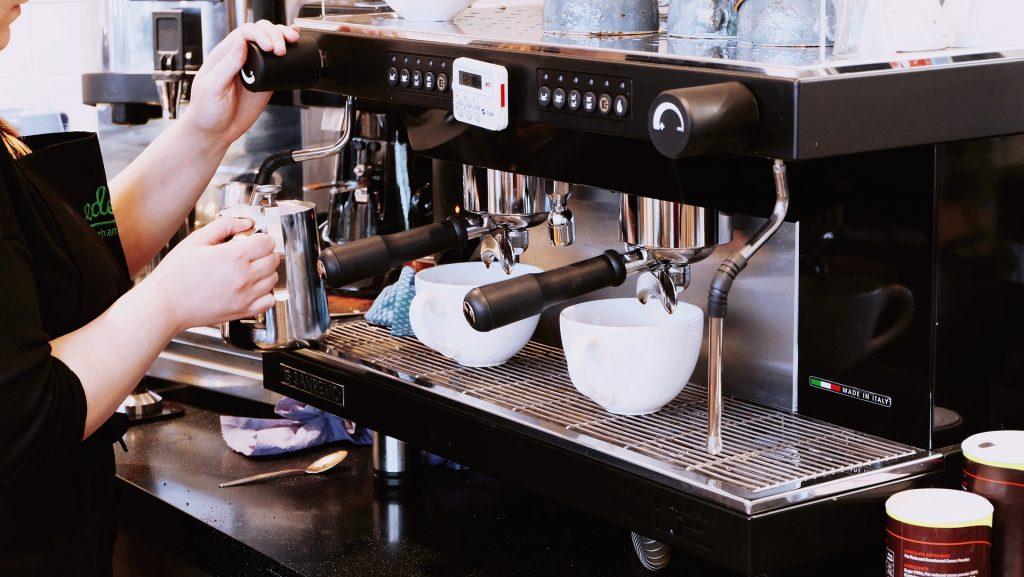 come collegare alexa alla macchina del caffè